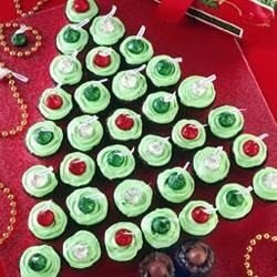 Brownie Christmas Tree with Kisses download