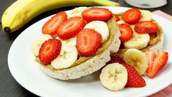 SunButter® and Fruit on Rice Cakes