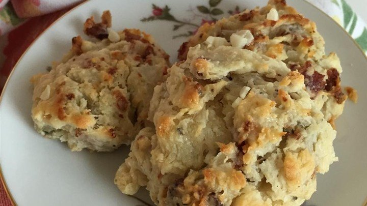 Garlic, Blue Cheese, and Bacon Biscuits download