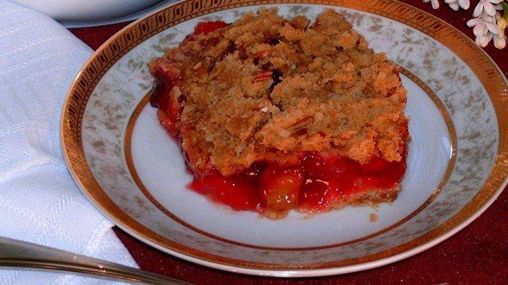 Rhubarb Cherry Crisp download