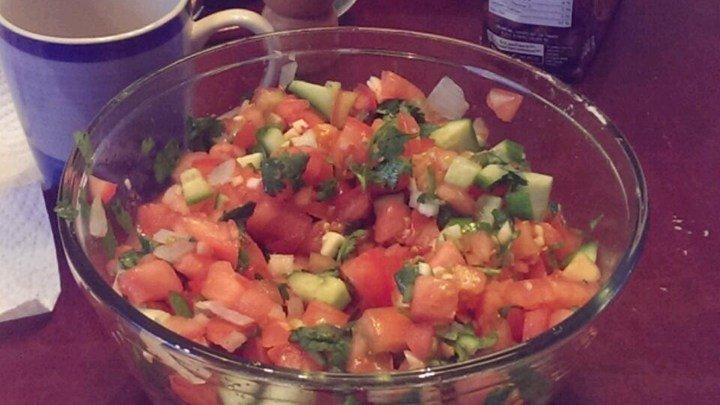 LittleBitFae's Fresh Tomato Salsa