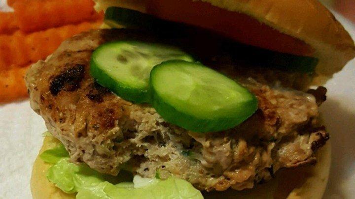 Healthier Actually Delicious Turkey Burgers