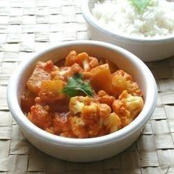 download Gobi Aloo (Indian Style Cauliflower with Potatoes)