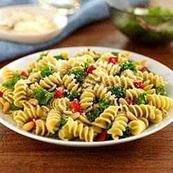 Rotini With Kale, Roasted Peppers and Pine Nuts download