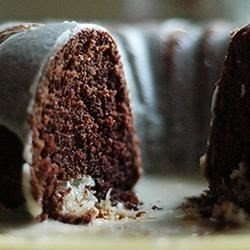 Chocolate Macaroon Tunnel Cake download