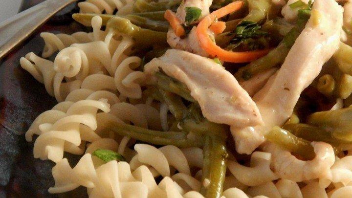 Pasta with Thai-Style Chicken download