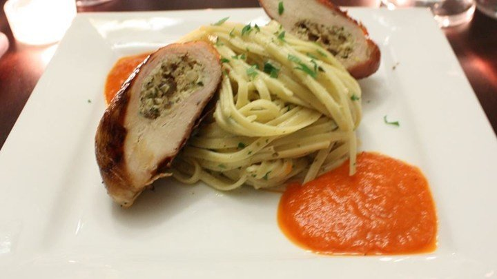 Prosciutto-Wrapped Chicken Breasts with Herbed Goat Cheese download
