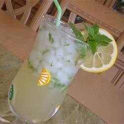 Lemonade-Mint Iced Tea download