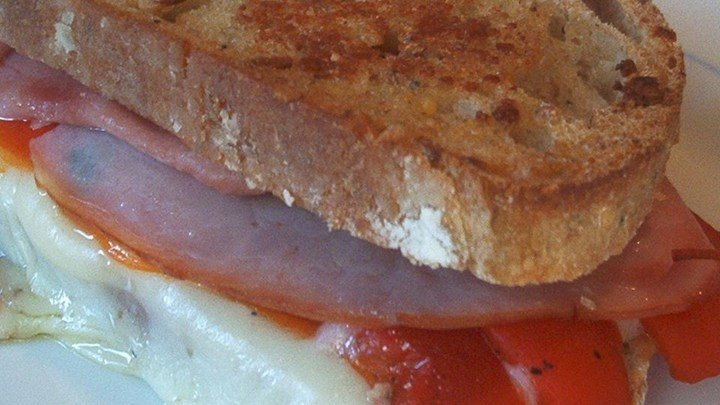 Grilled Roasted Red Pepper and Ham Sandwich download