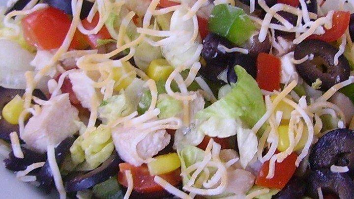 Super Tex-Mex Chicken Chop Salad download
