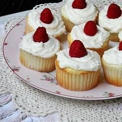 Raspberry White Chocolate Buttercream Cupcakes download
