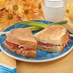 Grilled Cheese with Tomato download